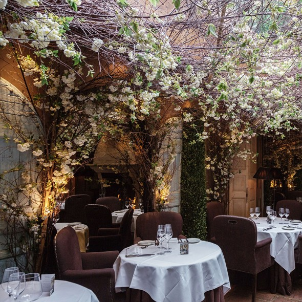dating spots in london The service and food at each of these places are fit for romantic restaurants in london oxo tower restaurant is the ultimate date restaurant and the.