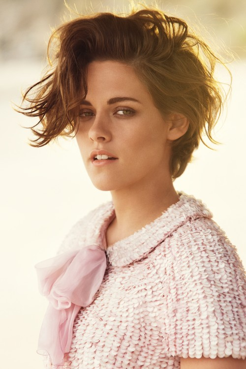 Kristen Stewart on plastic surgery and her favourite beauty products exclus